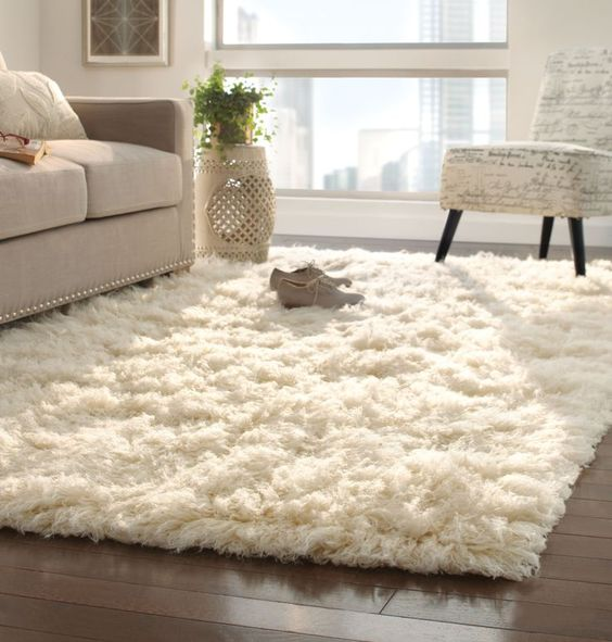 Woolen Rugs - Soft and textured